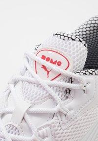 Puma - CELL - Sneakersy niskie - white/black - 5