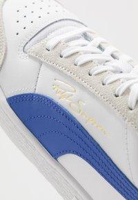 Puma - RALPH SAMPSON - Baskets basses - white/dazzling blue/high risk red - 5