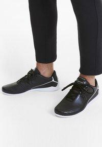 Puma - FERRARI DRIFT CAT - Sneakers basse - black/white - 0