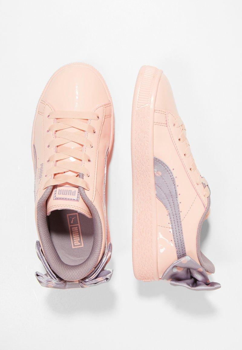 Puma - BASKET BOW DOTS - Sneakersy niskie - peach bud/elderberry