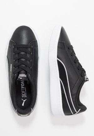 VIKKY - Mocasines - black/silver/white