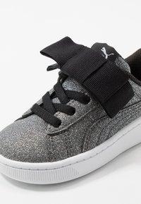 Puma - VIKKY RIBBON - Baskets basses - black/silver/white - 2