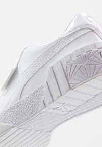 Puma - CALI  - Baskets basses - white - 2
