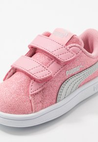 Puma - SMASH V2 GLITZ GLAM - Baskets basses - peony/silver/white - 2