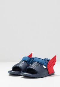 Puma - DIVECAT V2 INJEX HERO  - Sandales de bain - peacoat/bright cobalt/high risk red