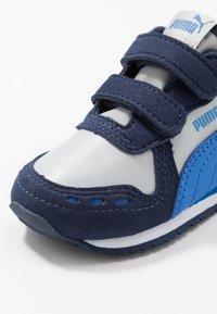 Puma - CABANA RACER SL V  - Baskets basses - high rise/peacoat/palace blue - 2