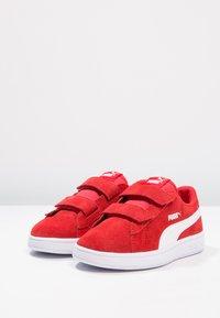 Puma - PUMA SMASH V2 SD V PS - Sneakers - high risk red/white - 2