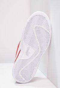 Puma - PUMA SMASH V2 SD V PS - Sneakers - high risk red/white - 4