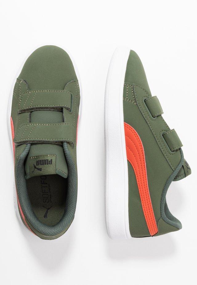 SMASH BUCK - Sneakers - thyme/black