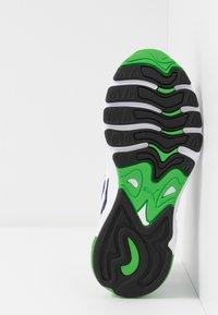 Puma - CELL ALIEN - Sneakers basse - white/peacoat - 5