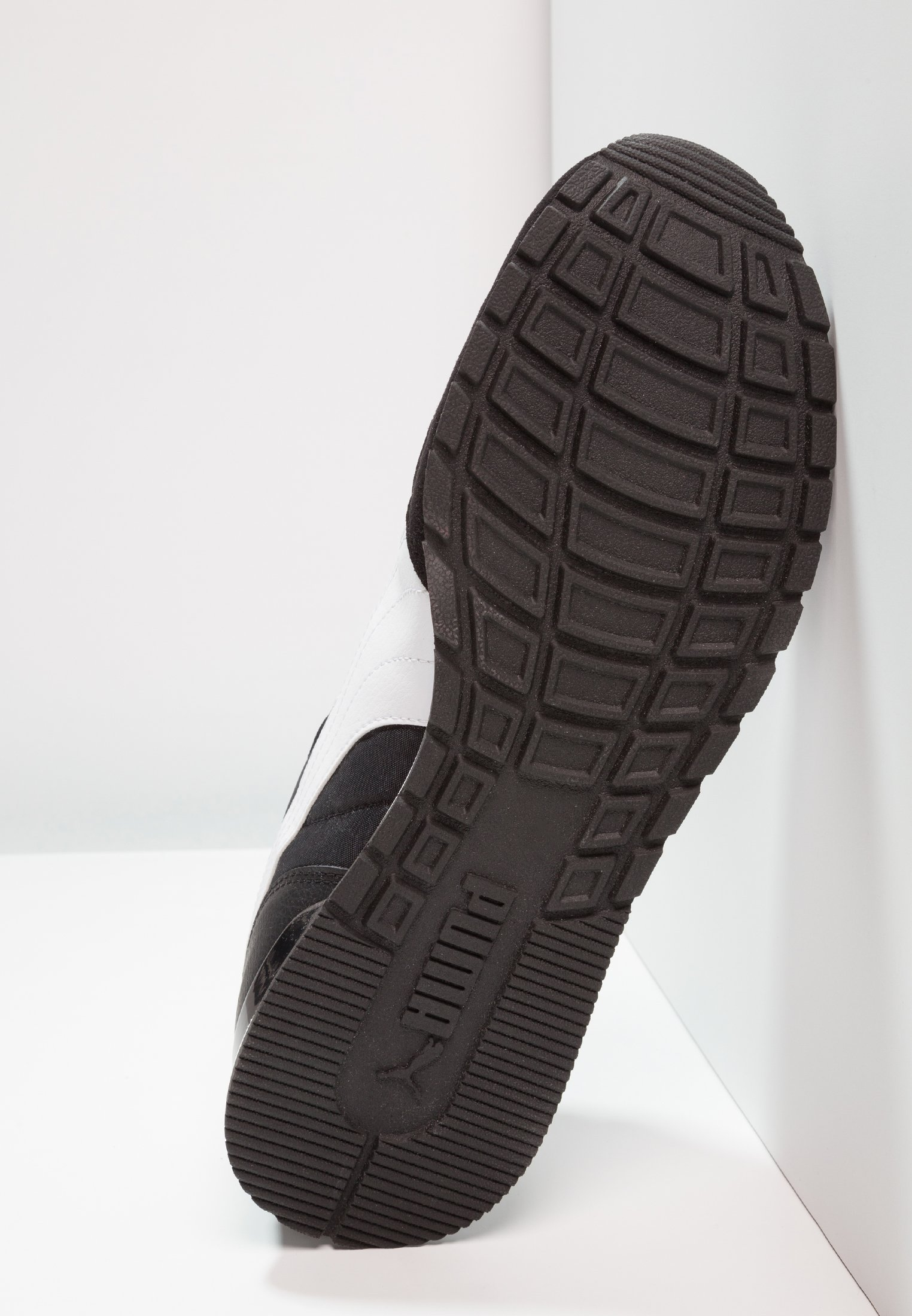 Puma RUNNER - Sneakers basse black/white