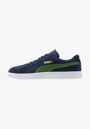 SMASH V2 - Sneaker low - peacoat/garden green/team gold/white