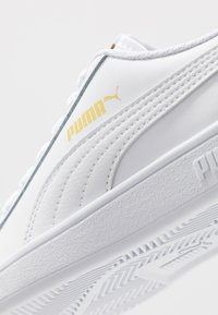 Puma - SMASH  - Sneakers laag - white/high risk red/team gold - 5