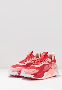 Puma - RS-X TOYS - Sneakersy niskie - bright peach/high risk red - 2