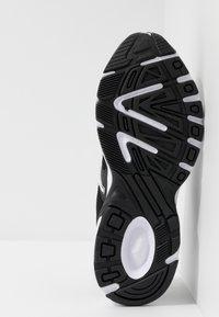 Puma - AXIS - Sneakers - black/white - 4