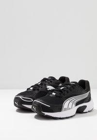 Puma - AXIS - Sneakers - black/white - 2