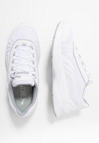 Puma - NUCLEUS - Sneakersy niskie - white/high rise - 1