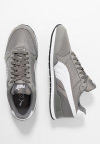 Puma - RUNNER - Baskets basses - charcoal gray - 1