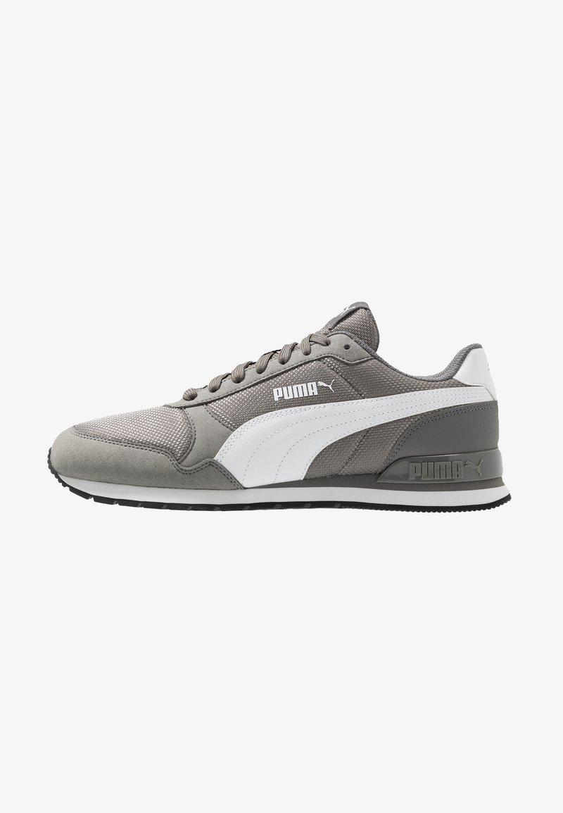 Puma - RUNNER - Baskets basses - charcoal gray