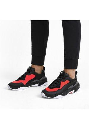 THUNDER FASHION - Sneakers basse - puma black-nrgy red