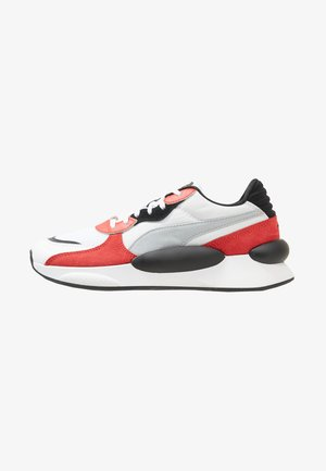 RS 9.8 SPACE - Sneakersy niskie - white/high risk red