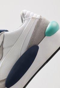 Puma - RS 9.8 COSMIC - Sneakers - white/peacoat - 5