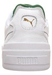 Puma - CALI - Sneakers basse - white/green - 5