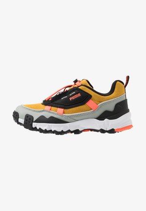 TRAILFOX OVERLAND - Sneakersy niskie - golden rod/black