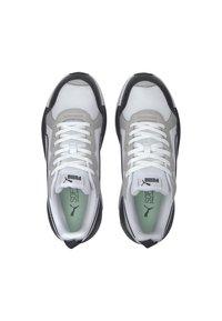 Puma - X-RAY GAME - Sneakers laag - white-gray v-m green-black - 2
