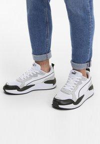Puma - X-RAY GAME - Sneakers laag - white-gray v-m green-black - 0