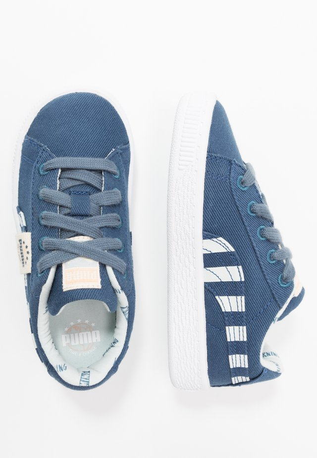 BASKET - Matalavartiset tennarit - dark denim/plein air
