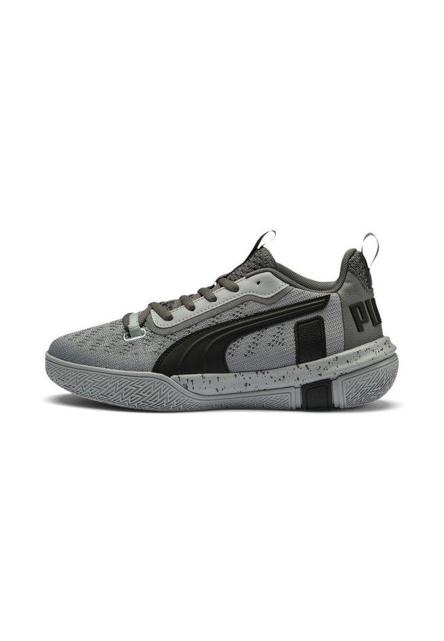 Basketball shoes - black-quarry