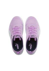 Puma - COURTFLEX - Sneakers basse - Orchid-Puma White-Peacoat - 4