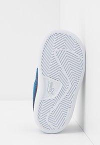 Puma - SMASH - Baskets basses - bright cobalt/peacoat/white - 5