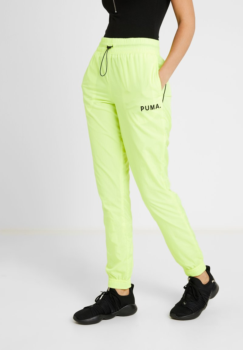 Puma - CHASE PANT - Trousers - yellow alert