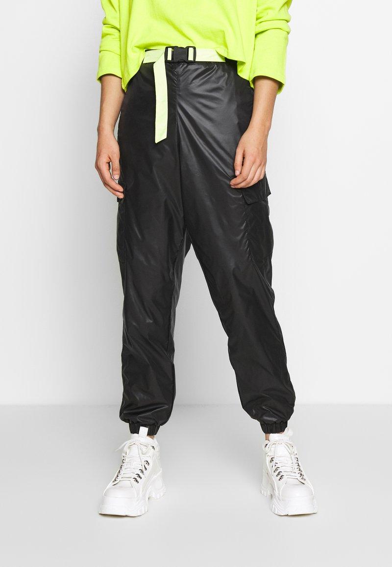 Puma - PANTS - Pantalon de survêtement - black