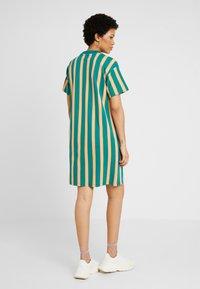 Puma - DOWNTOWN STRIPE DRESS - Sukienka letnia - teal green - 2