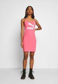 Puma - CLASSICS SLEEVELESS DRESS - Vestido de tubo - bubblegum - 1