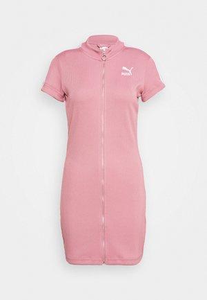 CLASSICS TIGHT DRESS - Denní šaty - foxglove
