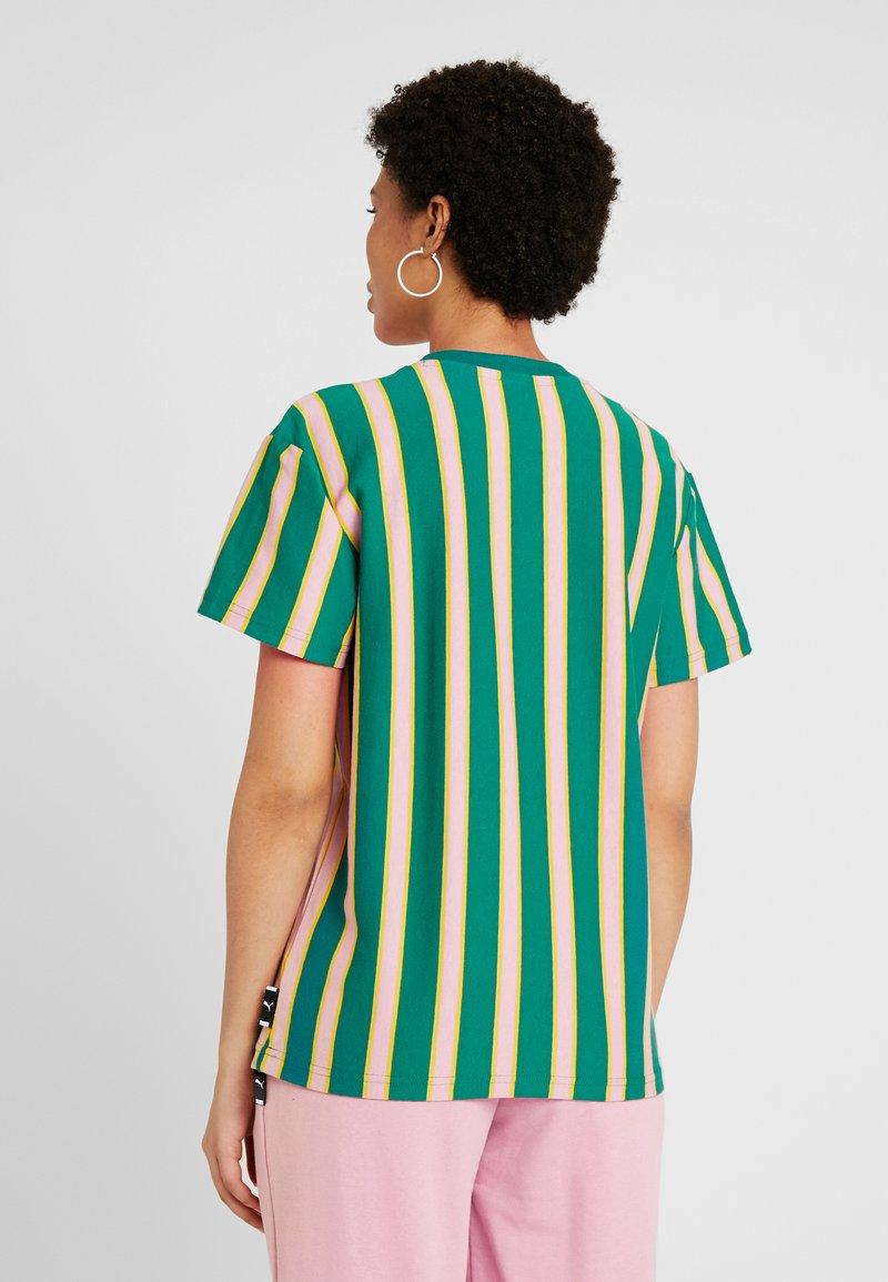 Puma - DOWNTOWN STRIPE TEE - Print T-shirt - teal green
