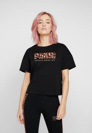 PUMA X SW TEE - Print T-shirt - black