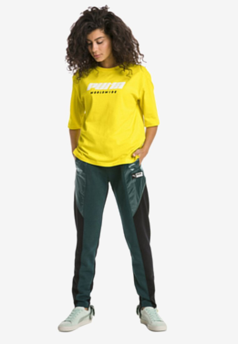 Puma - Print T-shirt - yellow