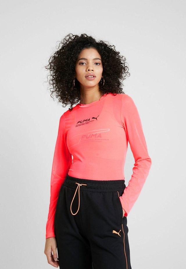 EVIDE LONGSLEEVE - T-shirt à manches longues - ignite pink