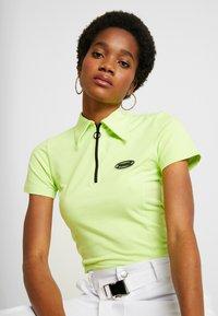 Puma - CONTOUR - T-shirt con stampa - sharp green - 3