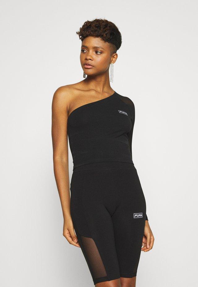 ASSYMETRIC CROPPED TEE - T-shirt à manches longues - black