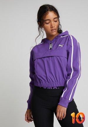 CHASE CROPPED HALFZIP HOODIE WOVEN - Windbreaker - royal purple