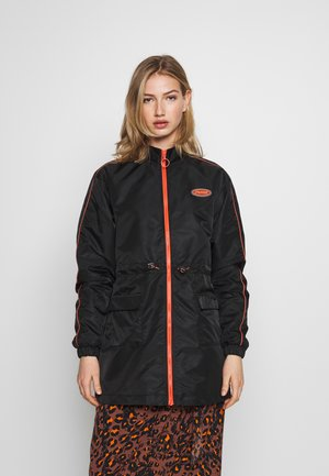 UTILITY COAT - Lehká bunda - black
