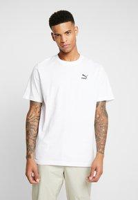 Puma - TREND GRAPHIC TEE - Camiseta estampada - puma white - 2