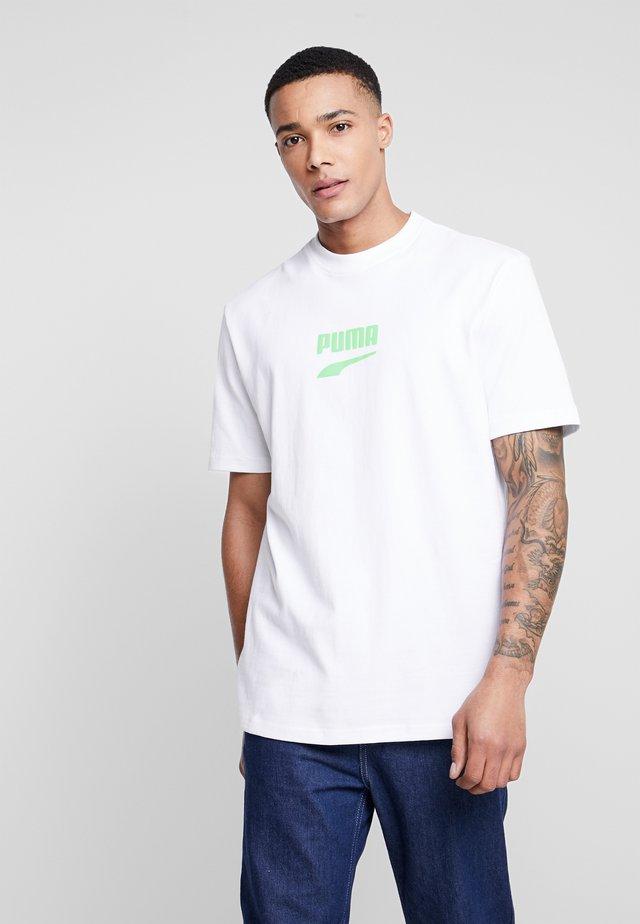 DOWNTOWN TEE - T-Shirt print - white