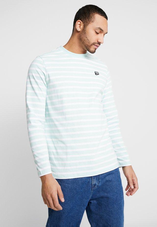 DOWNTOWN LONGSLEEVE TEE - T-shirt imprimé - mist green